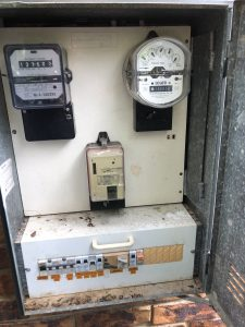 Switchboard with single phase power