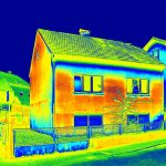 Can solar panels power an AC?
